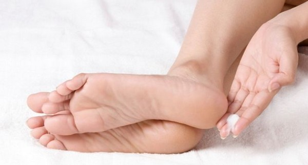 Getting Rid of Cracked Heels with Natural Remedies