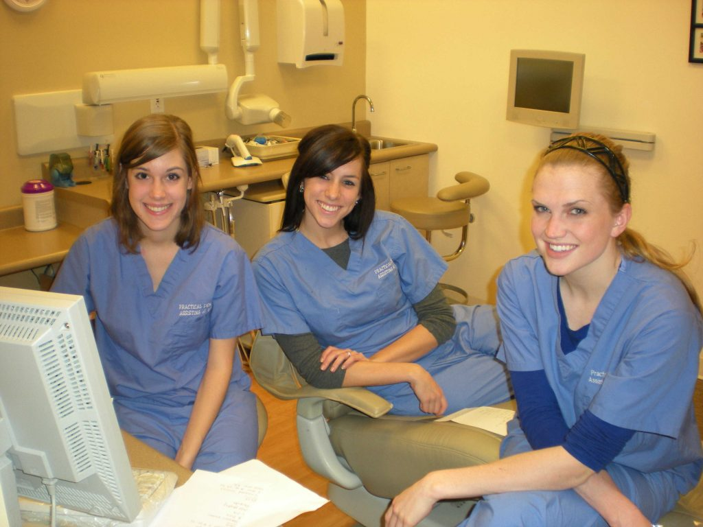 dental-assistants-1024x768 7 Advices from Dental Assistants