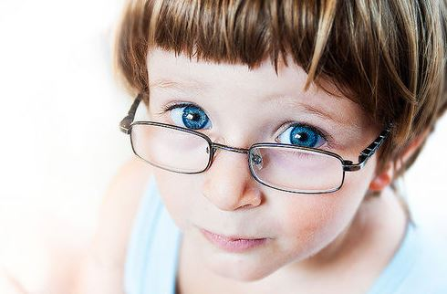 Does-your-Child-Need-Eyeglasses-Signs-to-Keep-an-Eye-out-For Does your Child Need Eyeglasses? Signs to Keep an Eye out For