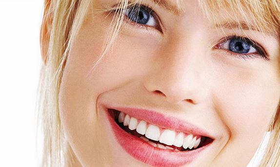 Want-a-Beautiful-Smile-5-Foods-and-Beverages-to-Avoid Want a Beautiful Smile? 5 Foods and Beverages to Avoid