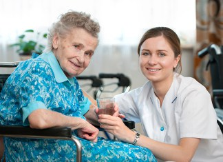 4 Signs You Should Investigate Professional Caregivers for Your Loved One