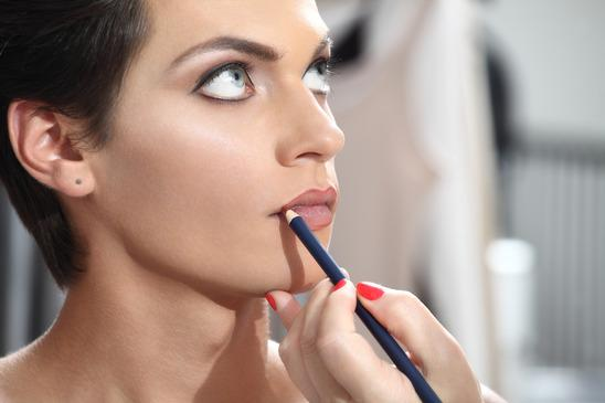 image02 Makeup Mistakes That are Making You Older