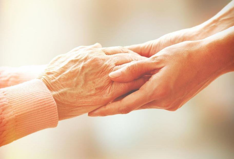 5-Major-Benefits-Every-Cancer-Patient-Needs-to-Know-About-Hospice-Care 5 Major Benefits Every Cancer Patient Needs to Know About Hospice Care