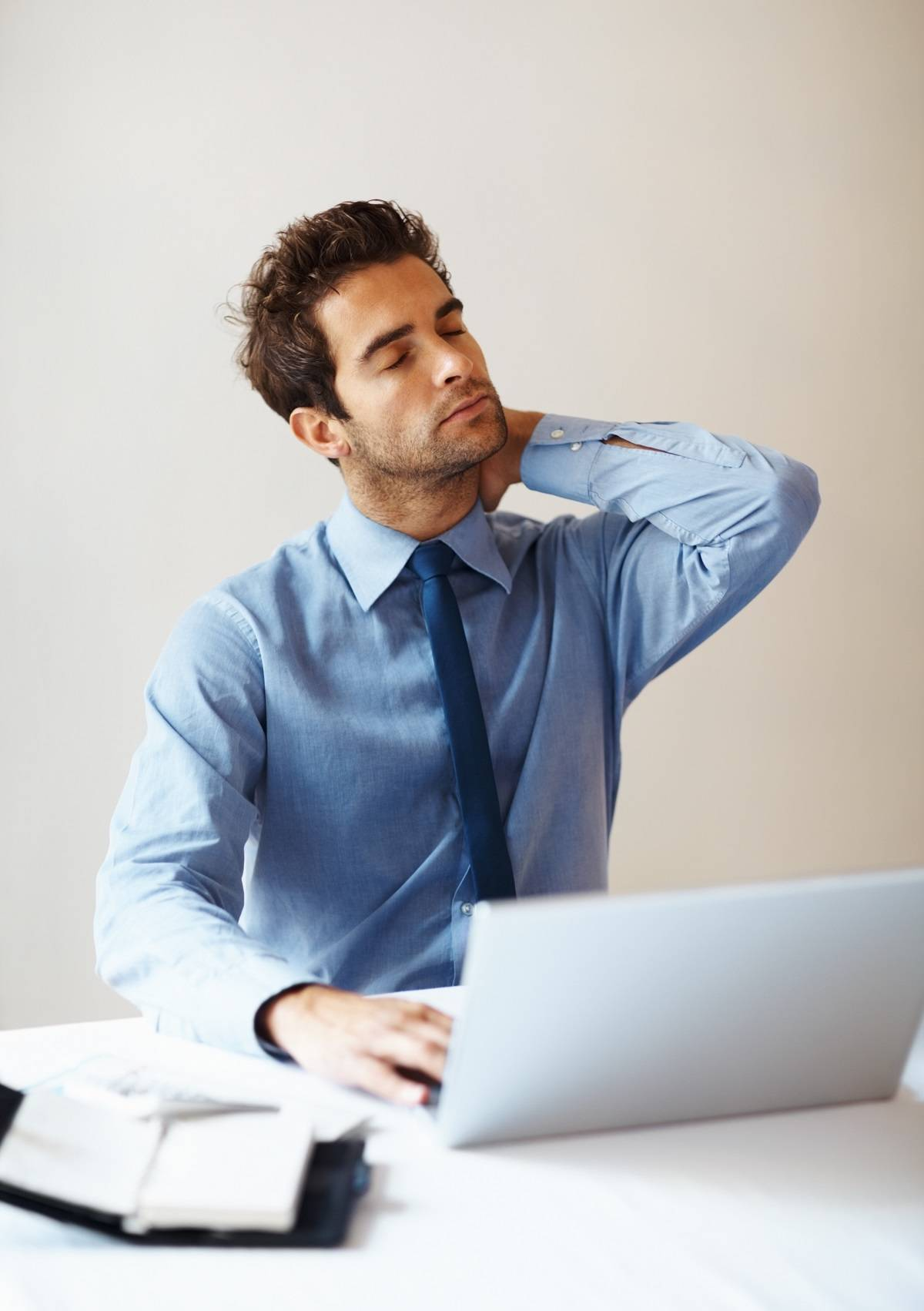 Back-Pain-At-Work-4-Ways-To-Ease-The-Pain Back Pain At Work? 4 Ways To Ease The Pain