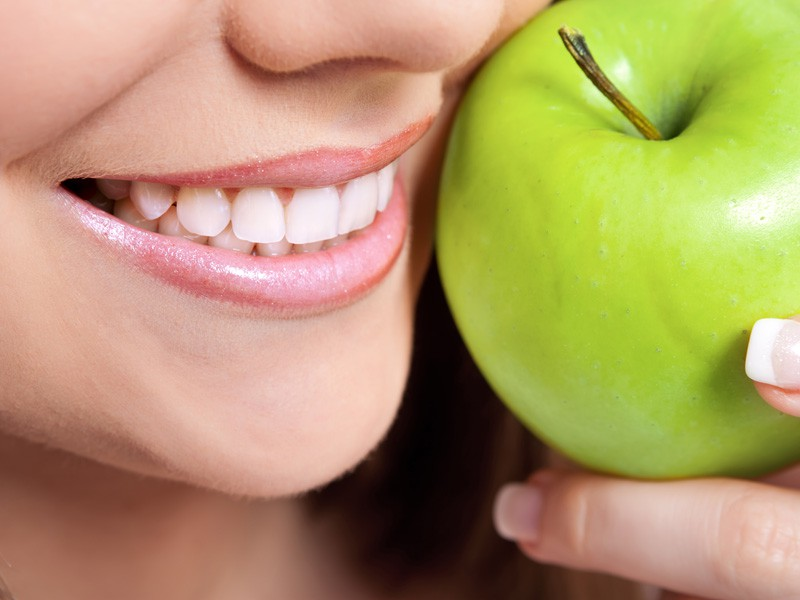 oral-health1 Tips To Refine Your Oral Health And Smile