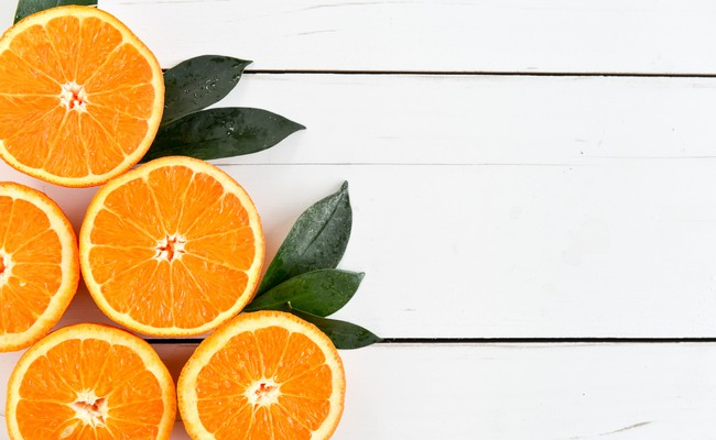 oranges 2 Delicious Orange Detox Water Recipes For You and Your Skin