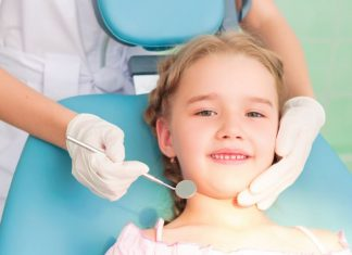 the-sweet-tooth-4-signs-your-child-needs-to-visit-a-dentist