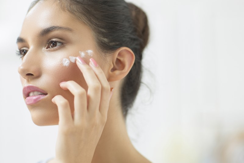 moisturizing- Things To Notice To Make You Look More Youthful At 30