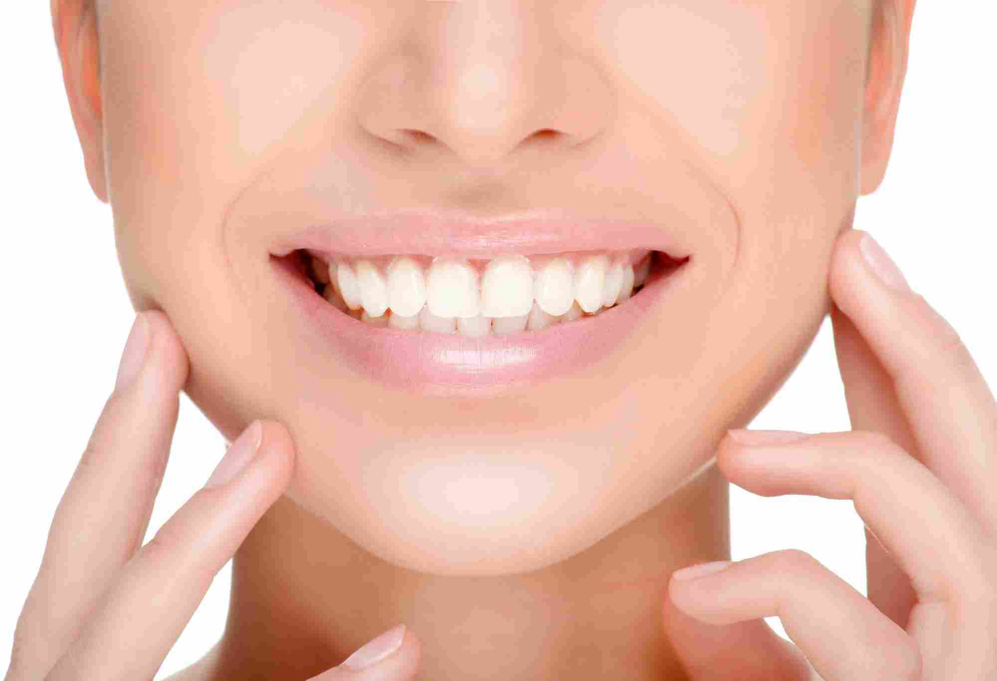 Get A Perfect Smile With Teeth Whitening Treatment