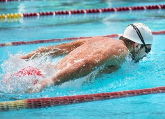 What Health Benefits Come with a Regular Swimming Routine